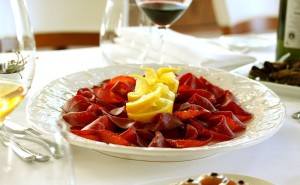 Antipasto_di_Bresaola_By franzconde from Amsterdam