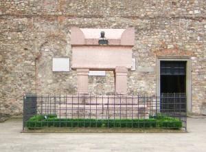 Tomba-Petrarca