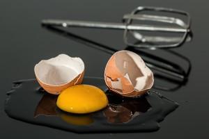 liquore-all'uovo-uovo-rotto